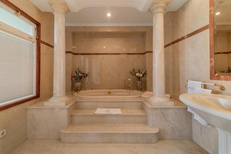 4 Bed  Villa/House for Sale, San Bartolome de Tirajana, LAS PALMAS, Gran Canaria - BH-8351-MIA-2912 5