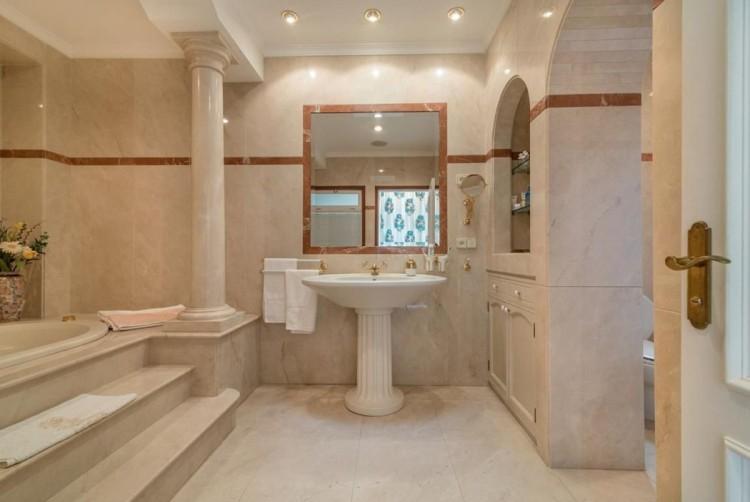 4 Bed  Villa/House for Sale, San Bartolome de Tirajana, LAS PALMAS, Gran Canaria - BH-8351-MIA-2912 8