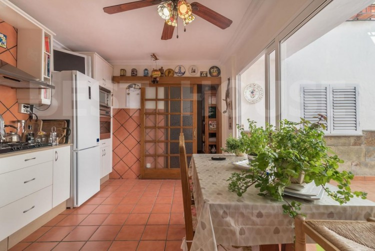4 Bed  Villa/House for Sale, San Bartolome de Tirajana, LAS PALMAS, Gran Canaria - BH-8512-ARA-2912 6