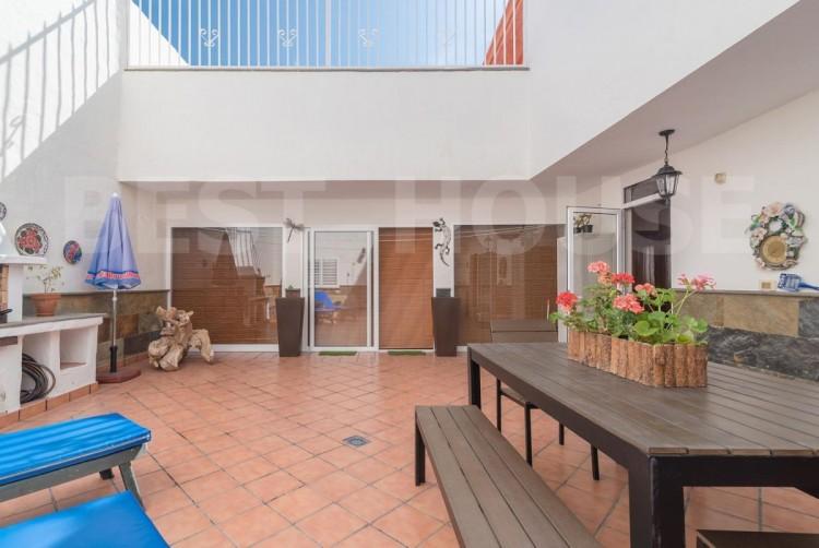 4 Bed  Villa/House for Sale, San Bartolome de Tirajana, LAS PALMAS, Gran Canaria - BH-8512-ARA-2912 7