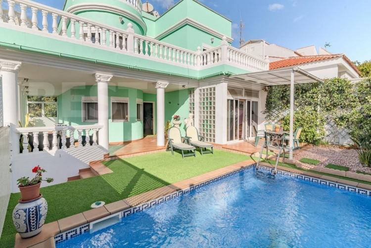 4 Bed  Villa/House for Sale, San Bartolome de Tirajana, LAS PALMAS, Gran Canaria - BH-8692-CT-2912 1