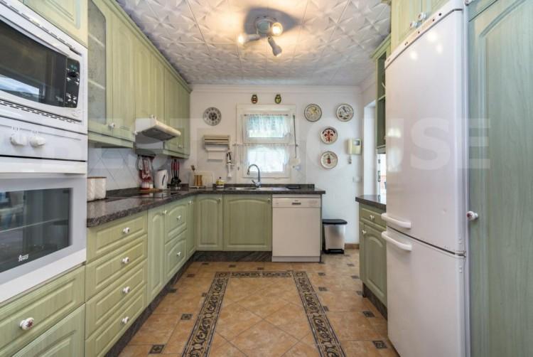 4 Bed  Villa/House for Sale, San Bartolome de Tirajana, LAS PALMAS, Gran Canaria - BH-8692-CT-2912 10