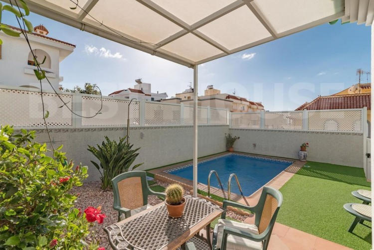 4 Bed  Villa/House for Sale, San Bartolome de Tirajana, LAS PALMAS, Gran Canaria - BH-8692-CT-2912 3