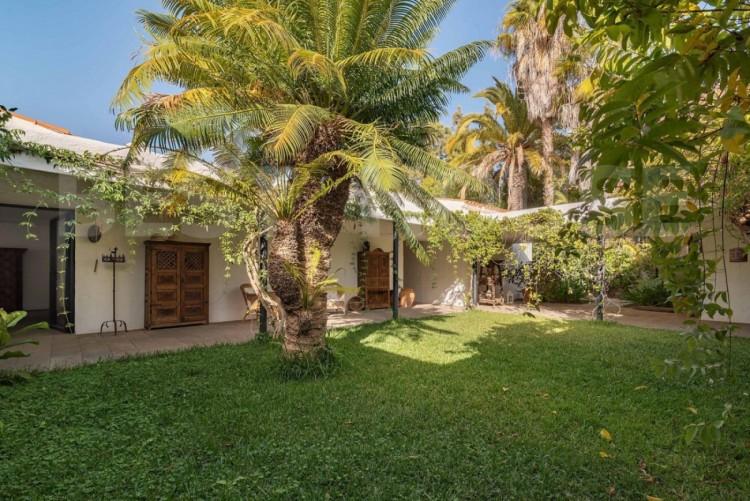12 Bed  Villa/House for Sale, San Bartolome de Tirajana, LAS PALMAS, Gran Canaria - BH-8714-MIA-2912 2