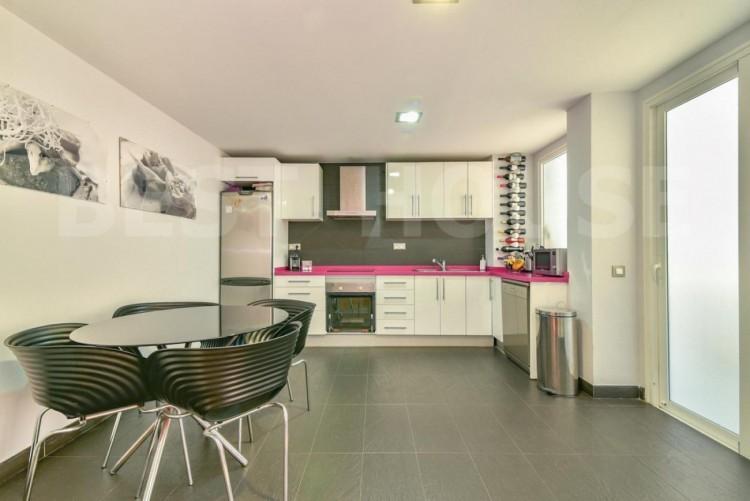 2 Bed  Flat / Apartment for Sale, Las Palmas de Gran Canaria, LAS PALMAS, Gran Canaria - BH-8777-JM-2912 4