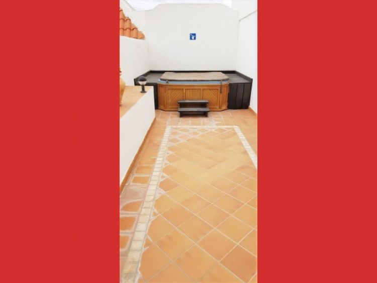 2 Bed  Flat / Apartment for Sale, Los Cristianos, Tenerife - CS-36 17