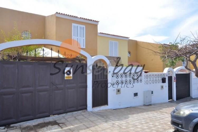 3 Bed  Villa/House for Sale, Guia de Isora, Santa Cruz de Tenerife, Tenerife - SB-SB-218 1
