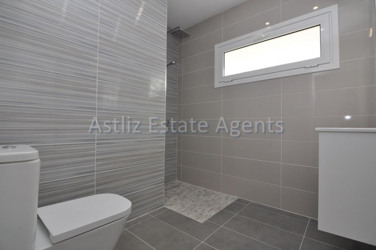4 Bed  Villa/House for Sale, San Eugenio Alto, Adeje, Tenerife - AZ-1326 10