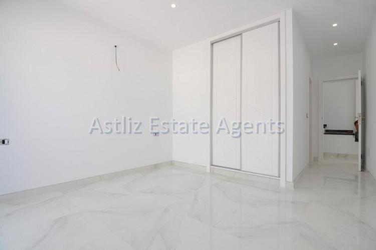 4 Bed  Villa/House for Sale, San Eugenio Alto, Adeje, Tenerife - AZ-1326 13