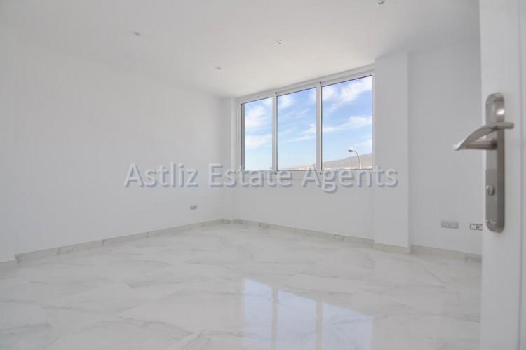 4 Bed  Villa/House for Sale, San Eugenio Alto, Adeje, Tenerife - AZ-1326 14