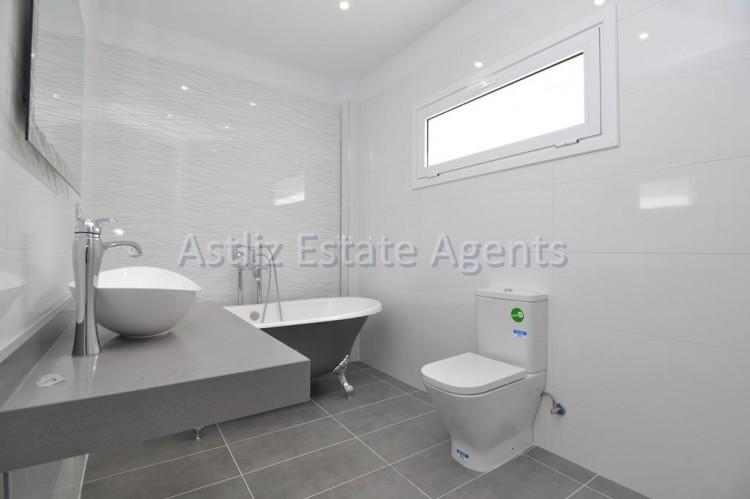 4 Bed  Villa/House for Sale, San Eugenio Alto, Adeje, Tenerife - AZ-1326 15