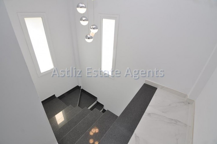 4 Bed  Villa/House for Sale, San Eugenio Alto, Adeje, Tenerife - AZ-1326 20