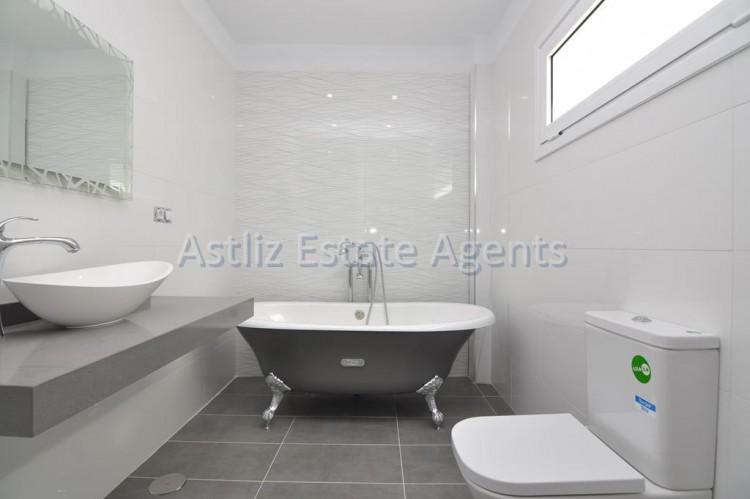 4 Bed  Villa/House for Sale, San Eugenio Alto, Adeje, Tenerife - AZ-1326 3