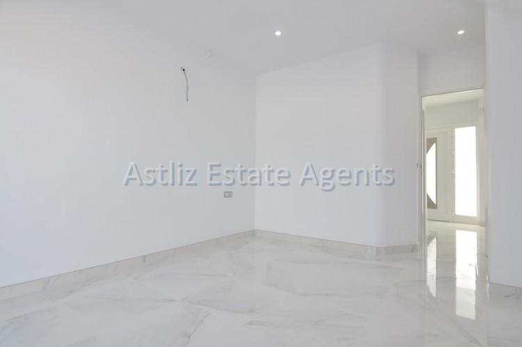 4 Bed  Villa/House for Sale, San Eugenio Alto, Adeje, Tenerife - AZ-1326 9