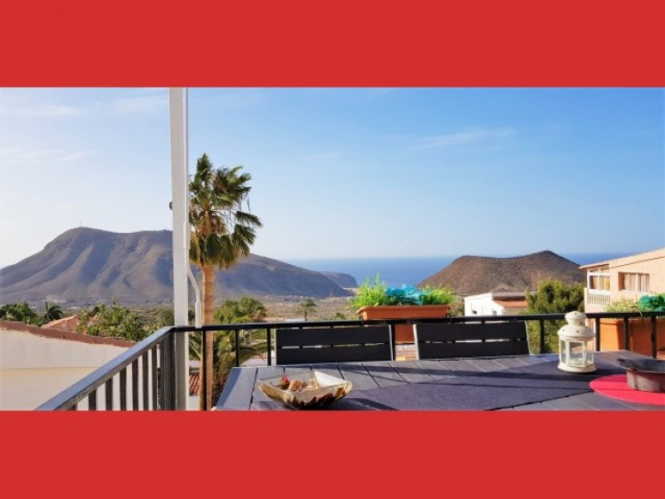 3 Bed  Villa/House for Sale, Los Cristianos, Tenerife - CS-40 1