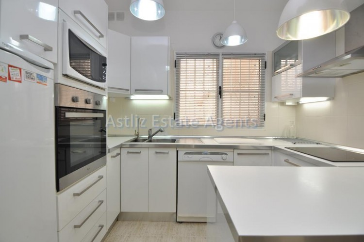 3 Bed  Villa/House for Sale, Piedra Hincada, Guia De Isora, Tenerife - AZ-1328 17
