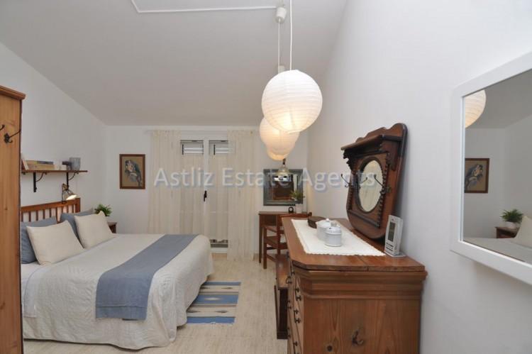 3 Bed  Villa/House for Sale, Piedra Hincada, Guia De Isora, Tenerife - AZ-1328 18