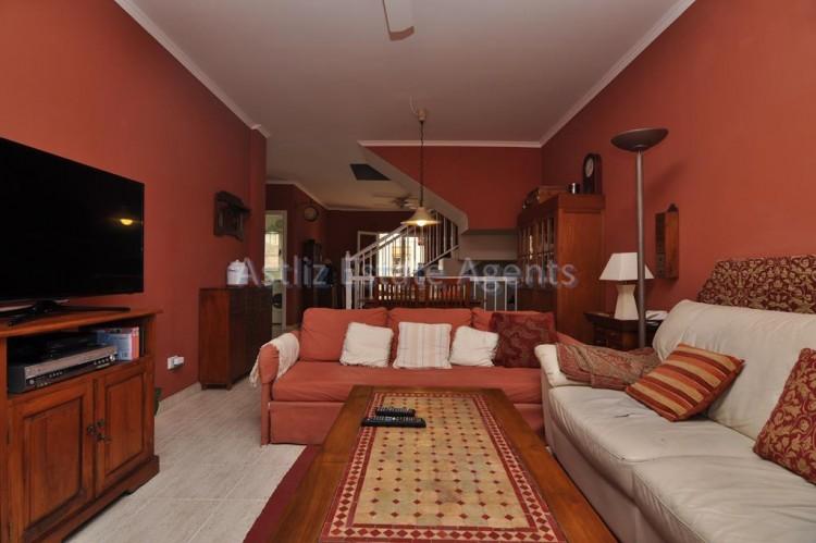 3 Bed  Villa/House for Sale, Piedra Hincada, Guia De Isora, Tenerife - AZ-1328 2