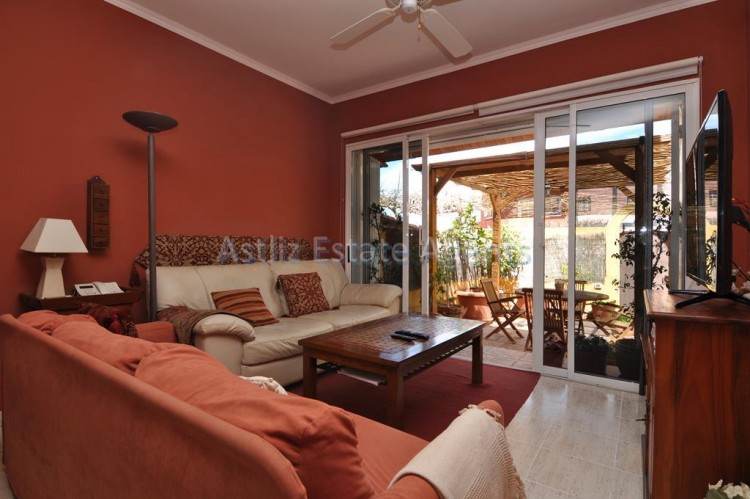 3 Bed  Villa/House for Sale, Piedra Hincada, Guia De Isora, Tenerife - AZ-1328 5