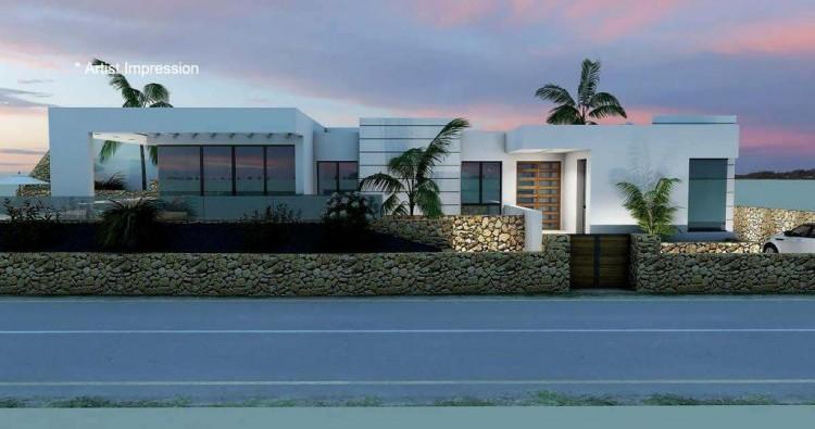 4 Bed  Villa/House for Sale, Puerto Del Carmen, Lanzarote - LA-LA856s 2