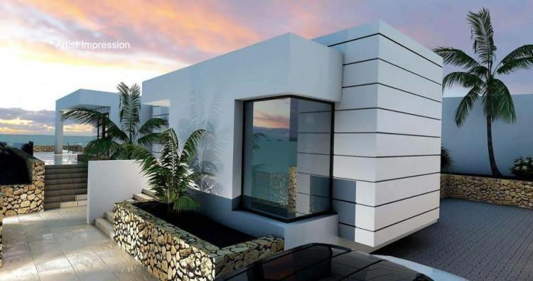 4 Bed  Villa/House for Sale, Puerto Del Carmen, Lanzarote - LA-LA856s 3