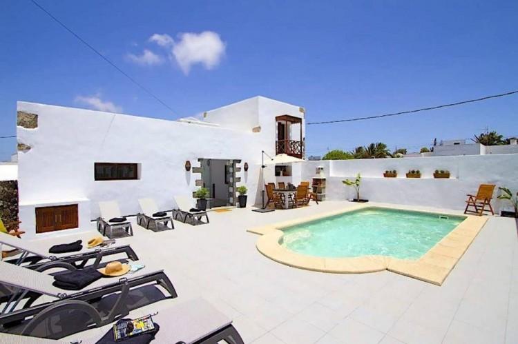 6 Bed  Villa/House for Sale, Teguise, Lanzarote - LA-LA858s 1