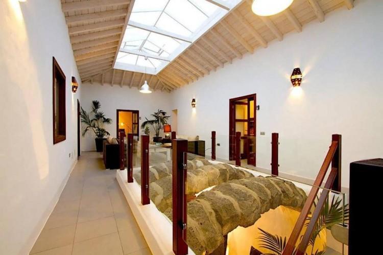 6 Bed  Villa/House for Sale, Teguise, Lanzarote - LA-LA858s 4