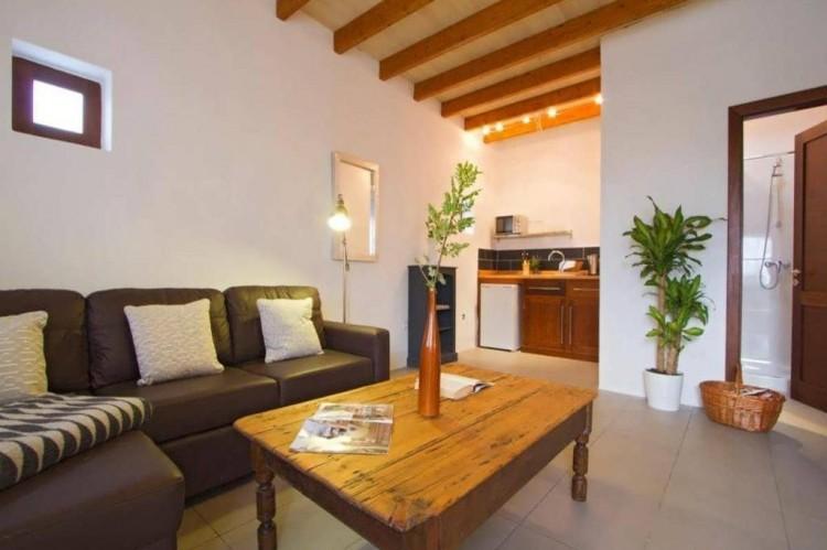 6 Bed  Villa/House for Sale, Teguise, Lanzarote - LA-LA858s 5