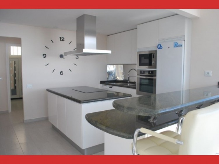 2 Bed  Flat / Apartment for Sale, Los Cristianos, Tenerife - CS-56 8