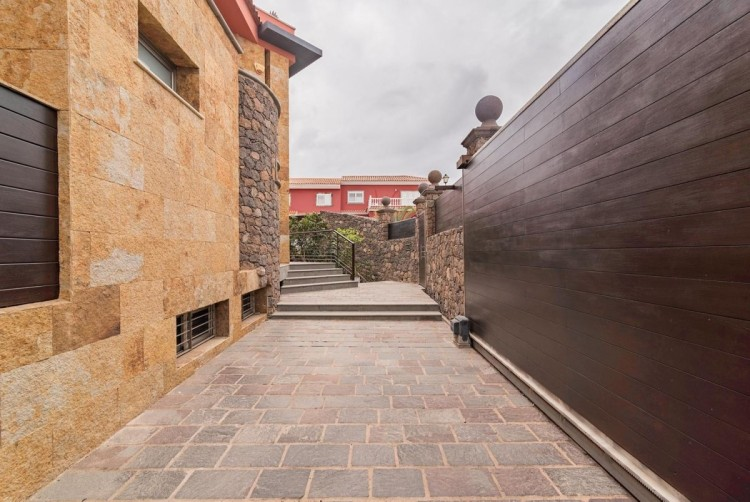 6 Bed  Villa/House for Sale, San Bartolome de Tirajana, LAS PALMAS, Gran Canaria - BH-8814-ARA-2912 8