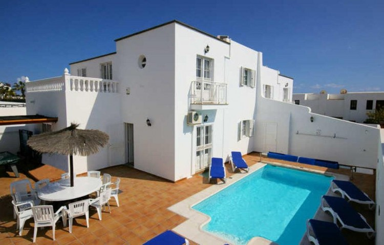 7 Bed  Villa/House for Sale, Puerto Del Carmen, Lanzarote - LA-LA860s 1