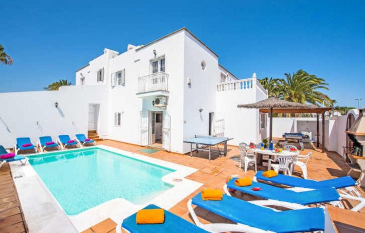 7 Bed  Villa/House for Sale, Puerto Del Carmen, Lanzarote - LA-LA860s 2