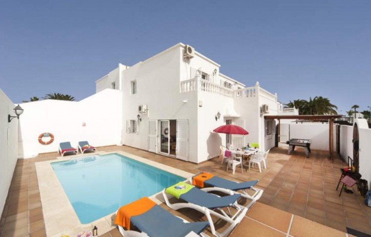 7 Bed  Villa/House for Sale, Puerto Del Carmen, Lanzarote - LA-LA860s 3