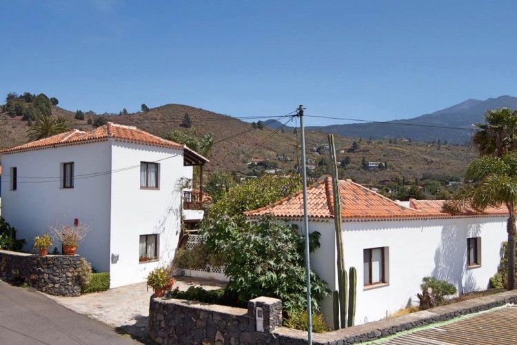 6 Bed  Villa/House for Sale, Tajuya, El Paso, La Palma - LP-E613 6