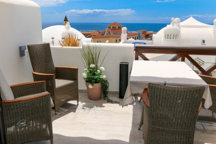 2 Bed  Flat / Apartment for Sale, playa paraiso, Tenerife - YL-PW101 1