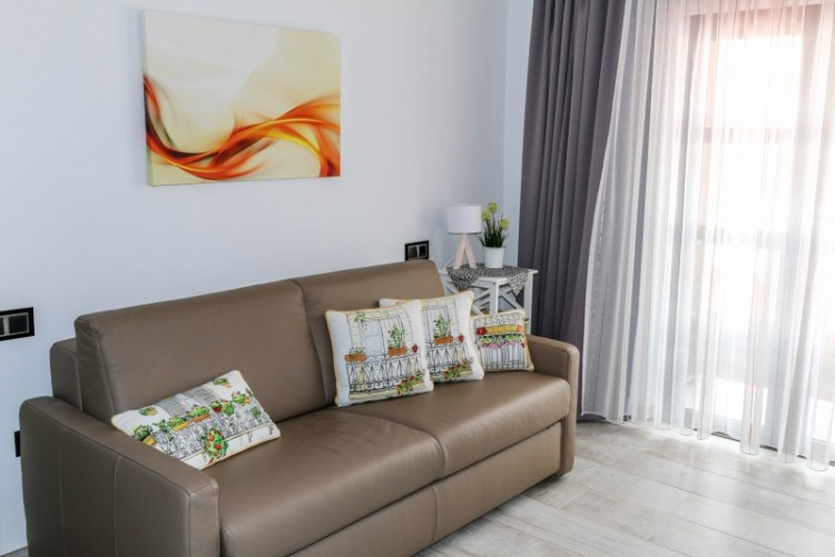 2 Bed  Flat / Apartment for Sale, playa paraiso, Tenerife - YL-PW101 7