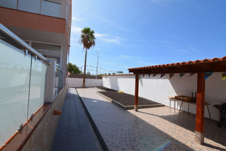 4 Bed  Villa/House for Sale, Playa Paraiso, Santa Cruz de Tenerife, Tenerife - DH-VPTCHPPCPROM_4-19 10