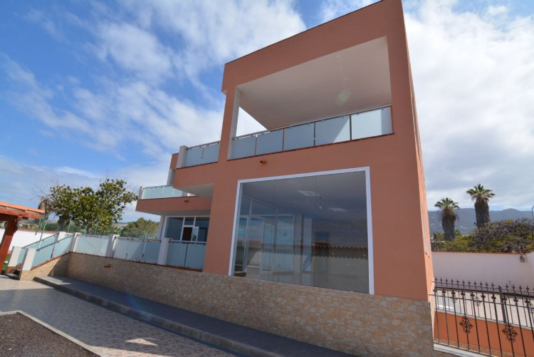 4 Bed  Villa/House for Sale, Playa Paraiso, Santa Cruz de Tenerife, Tenerife - DH-VPTCHPPCPROM_4-19 11