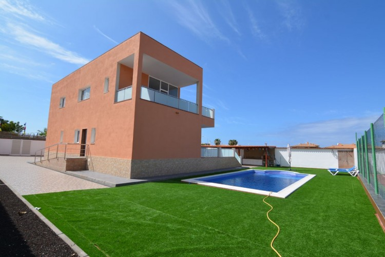 4 Bed  Villa/House for Sale, Playa Paraiso, Santa Cruz de Tenerife, Tenerife - DH-VPTCHPPCPROM_4-19 3