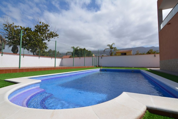 4 Bed  Villa/House for Sale, Playa Paraiso, Santa Cruz de Tenerife, Tenerife - DH-VPTCHPPCPROM_4-19 8