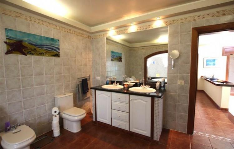 3 Bed  Villa/House for Sale, Guime, Lanzarote - LA-LA864s 7