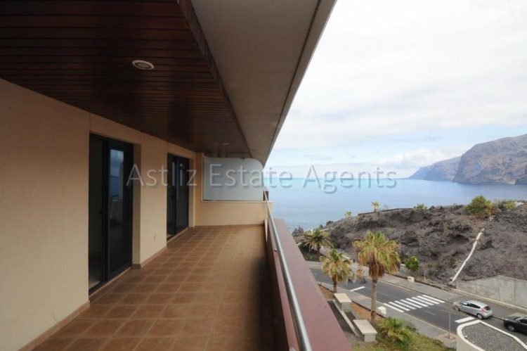 2 Bed  Flat / Apartment for Sale, Puerto De Santiago, Santiago Del Teide, Tenerife - AZ-1033 13
