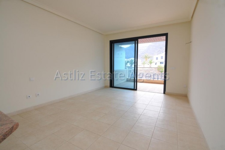 2 Bed  Flat / Apartment for Sale, Puerto De Santiago, Santiago Del Teide, Tenerife - AZ-1033 7