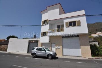 3 Bed  Villa/House for Sale, Guia De Isora, Tenerife - AZ-1036