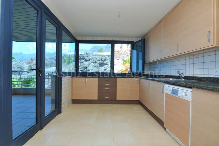 3 Bed  Flat / Apartment for Sale, Puerto De Santiago, Santiago Del Teide, Tenerife - AZ-1039 2