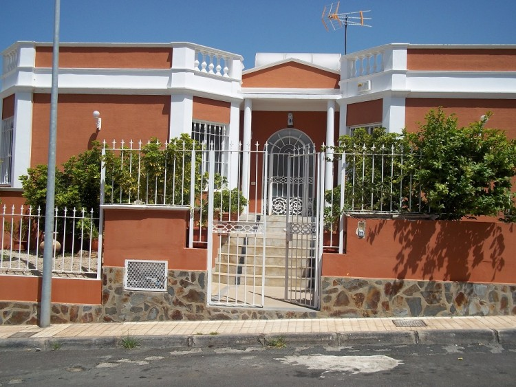 4 Bed  Villa/House for Sale, Playa De La Arena, Santiago Del Teide, Tenerife - AZ-1042 1