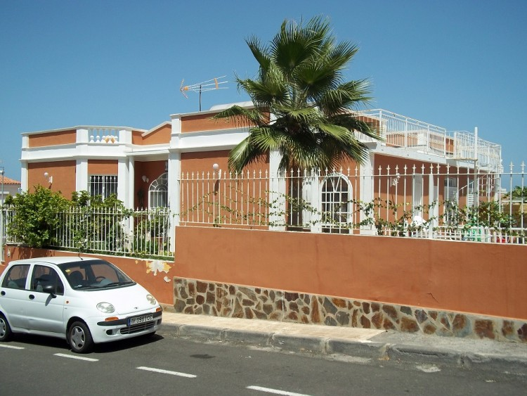 4 Bed  Villa/House for Sale, Playa De La Arena, Santiago Del Teide, Tenerife - AZ-1042 14