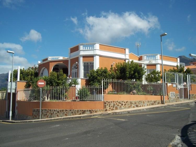4 Bed  Villa/House for Sale, Playa De La Arena, Santiago Del Teide, Tenerife - AZ-1042 9