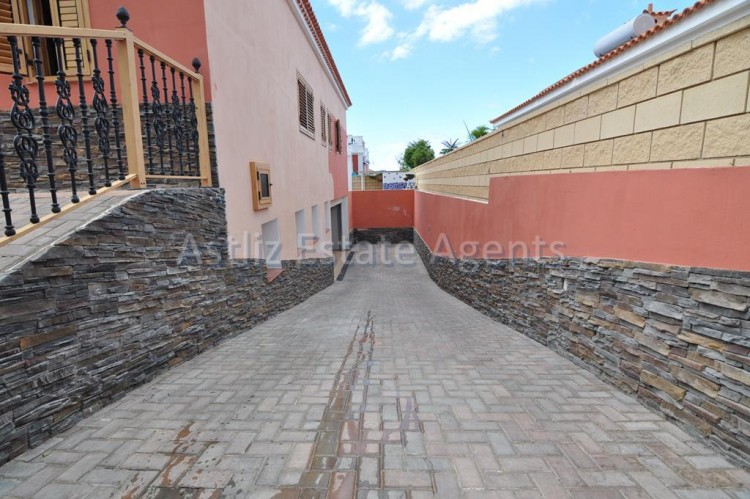 5 Bed  Villa/House for Sale, Playa De La Arena, Santiago Del Teide, Tenerife - AZ-1046 20