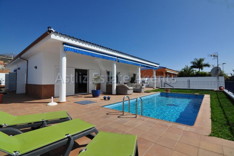 4 Bed  Villa/House for Sale, Playa De La Arena, Santiago Del Teide, Tenerife - AZ-1047 1